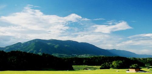 比良山を望む