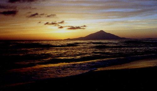 稚咲内海岸の夕景