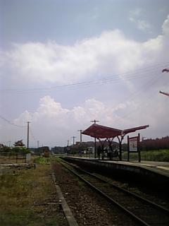 内牧駅の午後