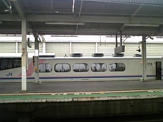 臨時列車の乗客は子供たち
