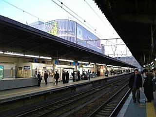 【大阪】JR<br />  大阪駅9、1<br />  0、11番線