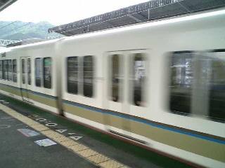 通過列車  #shiga